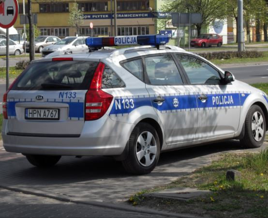 """Policja Oświęcim:Oświęcim. Dzięki reakcji mieszkańców włamywacze """"odeszli  z kwitkiem"""""""